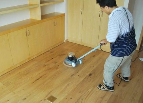 重庆家庭木地板打磨翻新过程与禁忌