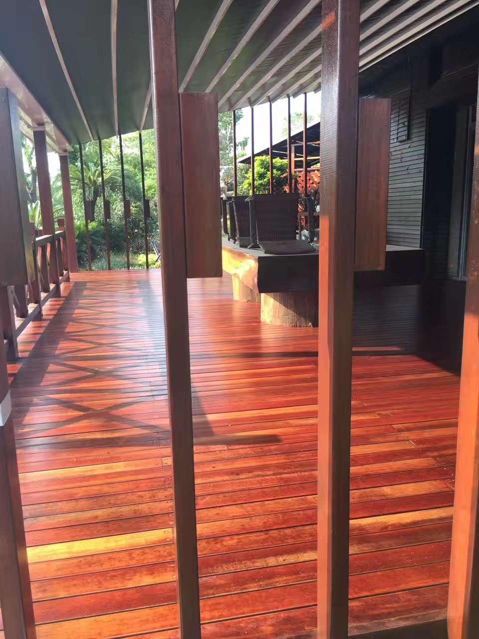 花园地板翻新效果