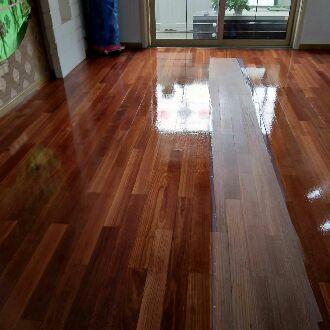实木复合地板打蜡