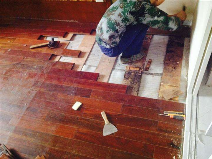 实木地板打磨