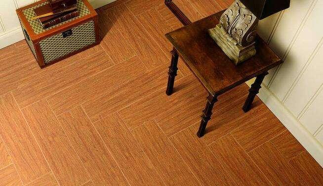 家庭木地板打磨